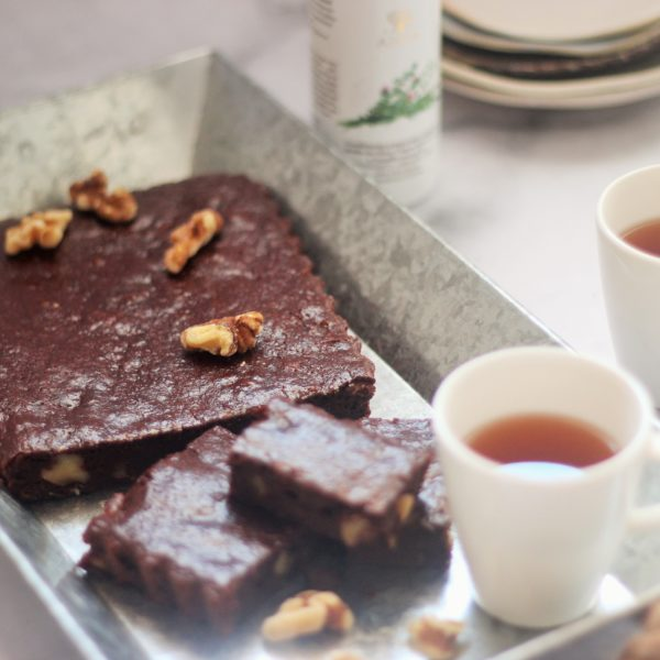Sugar-free Thyme and Chocolate Brownie with Walnuts